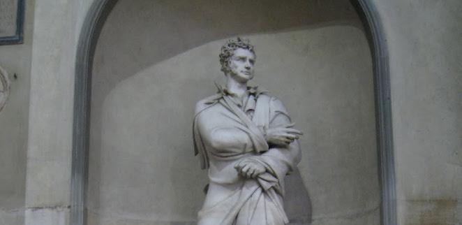 Statua Foscolo