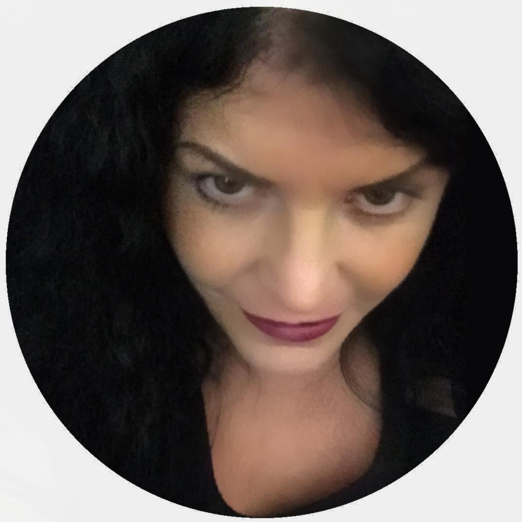 Lisa Blu :